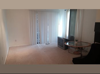 EasyRoommate US - Renting Out Room in 2bed 2bath Apartment - Boulder, Denver - $700