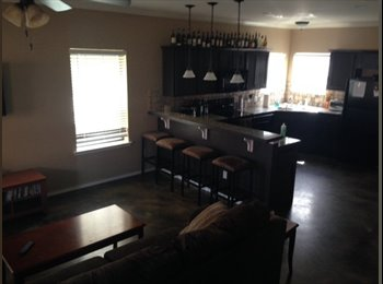 EasyRoommate US - Beautiful, spacious town home - San Marcos, San Marcos - $624