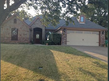 EasyRoommate US - Beautiful & Quiet Country Home - Lake Worth, Fort Worth - $600