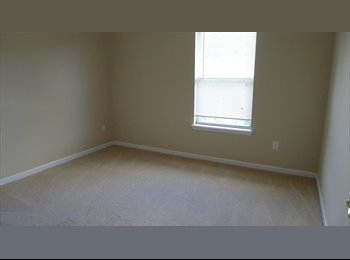 EasyRoommate US - $550-$600 private bedroom with private bath in two - Jacksonville, Jacksonville - $600