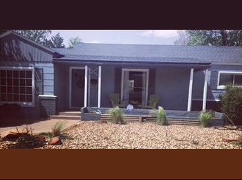 EasyRoommate US - Private bed and bath available in 3 bed house - Lubbock, Lubbock - $575