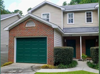 EasyRoommate US - 3 bed/2.5 bath Townhouse Convenient to Hospitals - Tallahassee, Tallahassee - $600
