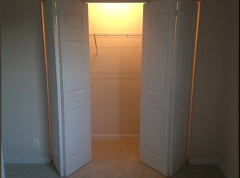 EasyRoommate US - Roomate for South Elgin Townhouse - Elgin, Other-Illinois - $450