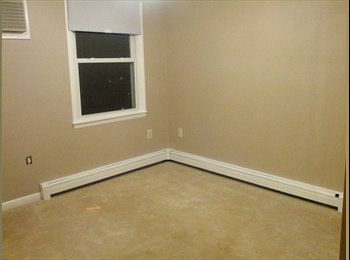 EasyRoommate US - Dog Friendly Master Bedroom for Rent - Arlington, Arlington - $700