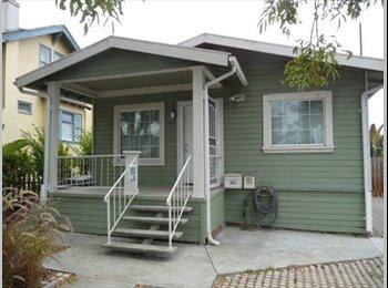 EasyRoommate US - Oakland hills home - Berkeley, Oakland Area - $750