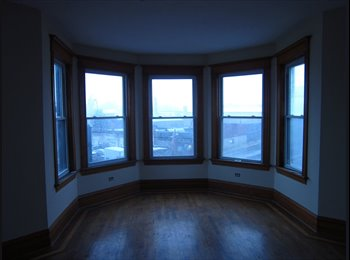 EasyRoommate US - Beautiful 2 Bedroom, 1 Bath in Rosco Village, - Near North Side, Chicago - $800