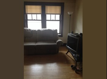 EasyRoommate US - 1 Bdrm in 2 Bdrm avail. 1/1 - East Side, Milwaukee Area - $475