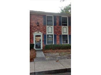 EasyRoommate US - $300 -1/2 off Dec rent - Room in 3/2.5 near Oglethorpe Mall - Male Roomates (455 Mall Blvd) - Savannah, Savannah - $300