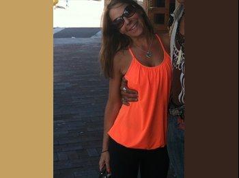 EasyRoommate US - Danielle - 40 - Ft Lauderdale Area