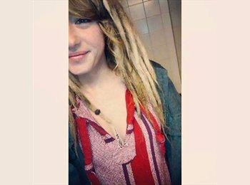 EasyRoommate US - Amanda - 20 - Lakewood
