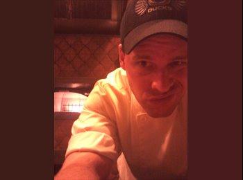 EasyRoommate US - Seth - 35 - Las Vegas