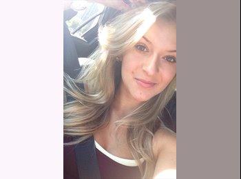 EasyRoommate US - Samantha - 22 - Arlington