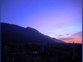 CompartoApto VE - Familia decente alquila habitaciòn en Av. Panteòn - Libertador, Caracas - BsF5000