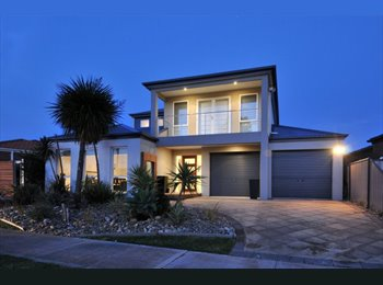 EasyRoommate AU - Charming House - Burnside, Melbourne - $520