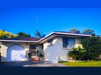 EasyRoommate AU 2 rooms available in Bundall - Bundall, Central Gold Coast, Gold Coast - $607 per Month(s),$140 per Week - Image 1