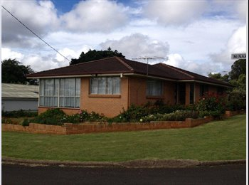 EasyRoommate AU - Room available Centenay Heights close to Southtown - Centenary Heights, Toowoomba - $520