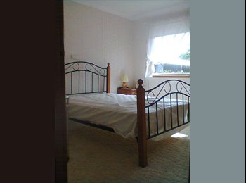EasyRoommate AU - Close to Griffith Uni & Hospital - Ashmore, Gold Coast - $1040