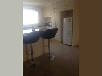EasyRoommate AU - Romm for rent in Modern unit - Alice Springs, Alice Springs - $997