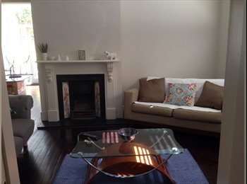 EasyRoommate AU - Bedroom available in beautiful home St Kilda - St Kilda, Melbourne - $1250
