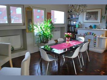Appartager BE - Amazing Penthouse w/patio (Pl.Fernand Coq/Louise) - Ixelles-Elsene, Bruxelles-Brussel - €550