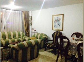 CompartoApto CO PONTEVEDRA - Zona Norte, Bogotá - COP$400000 por Mes(es),COP$92315 por SemanaCOP$0 por Días - Foto 1