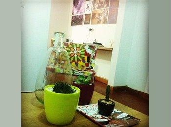 CompartoApto CO - Habitación para dama que trabaje - Zona Occidente, Medellín - COP$*