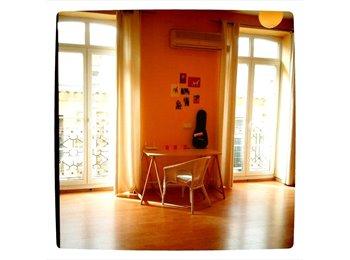 EasyPiso ES - Habitaciones/ piso enorme en el CENTRO - Zona del Puerto, Alicante - €250
