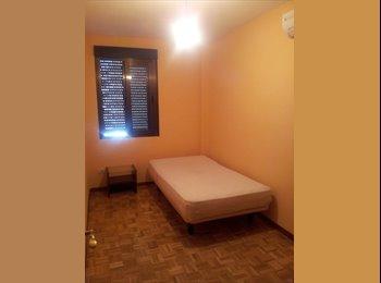 EasyPiso ES - Habitación en alquiler - Fuenlabrada, Madrid - €250