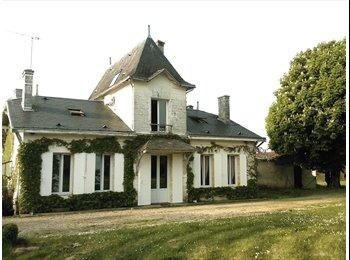 Appartager FR Maison du XVIIIéme sur un parck arboré de 1 Ha - Saint-Seurin-sur-l'Isle - 350 par Mois,€81 par Semaine€ - Image 1