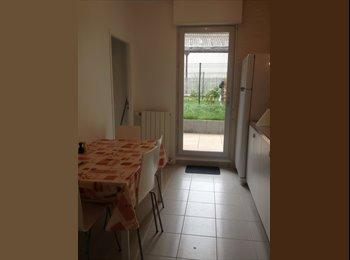 Appartager FR - Chambre étudiante - La Courneuve, Paris - Ile De France - €400