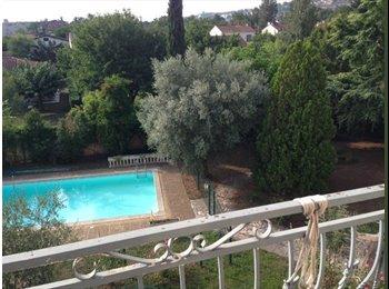 Appartager FR - bel appartement p colocation a deux avec piscine et parking - Taur, Toulouse - €450