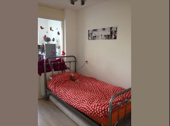 EasyKamer NL - Room for rent - Laak, Den Haag - €450