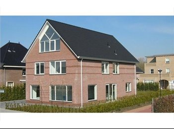 EasyKamer NL - Luxe studio/dubbelkamer 55 m2 in vrijstaande wonin - Lelystad, Lelystad - €525