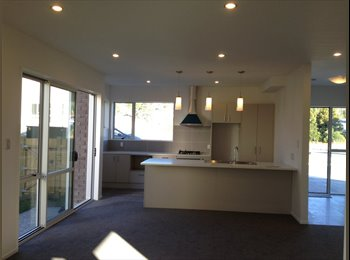 NZ - Brand new house, rooms to let - Sunnyvale, Auckland - $780