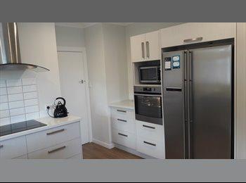 NZ - Big House , Handy Location , Very Sunny - Kaikorai, Dunedin - $477