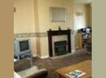 EasyRoommate UK Double Sized Room in Old Trafford - Shared house - Old Trafford, Manchester - £265 per Month,£61 per Week£0 per Day - Image 1