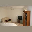 EasyRoommate UK A Lovely Double Room - Downley, High Wycombe - £ 450 per Month - Image 1