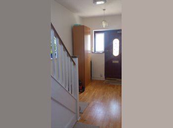 EasyRoommate UK - Bright and Spacious room in Harrow - Harrow, London - £750