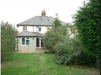 EasyRoommate UK - Rooms available in clean modern house - CM23 - Bishop's Stortford, Bishop's Stortford - £410