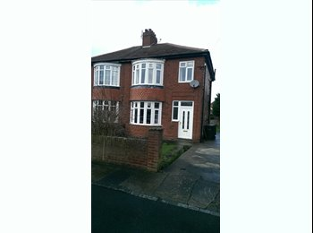 EasyRoommate UK - Rooms available in clean modern house - DH1 1PD - Durham, Durham - £310