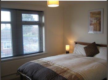 EasyRoommate UK - *Furnished Double Opposite Lymedale Business Park* - Newcastle-under-Lyme, Newcastle under Lyme - £434