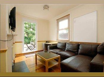 EasyRoommate UK - MANOR HOUSE N4 5 BED 3 BATH STUDENT RENTAL 2014 - Finsbury Park, London - £585