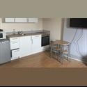 EasyRoommate UK Large ensuite room nr university/city center - Kensington, Liverpool - £ 400 per Month - Image 1