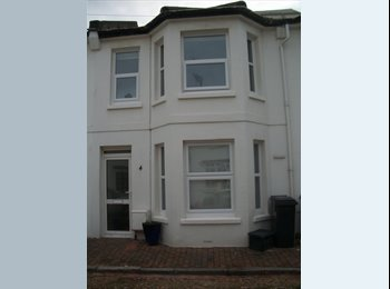 EasyRoommate UK - Town centre House - close to Uni   - Eastbourne, Eastbourne - £360