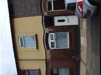 EasyRoommate UK - rooms for rent central stoke - Stoke-on-Trent, Stoke-on-Trent - £325