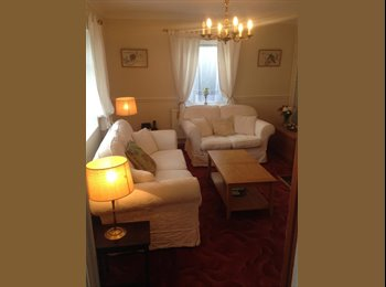 EasyRoommate UK - Large double room in all-female house-share - Bath, Bath and NE Somerset - £488