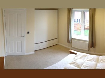 EasyRoommate UK - Double room -New spacious & modern house. - Quarrendon, Aylesbury - £500