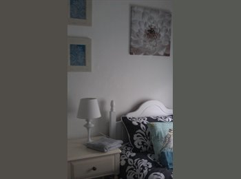 EasyRoommate UK - Clean lodgings/ B&B available for professionals - Central Bletchley, Milton Keynes - £347