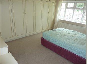 EasyRoommate UK - 1 bedroom house share - suit professional/student - Wylde Green, Birmingham - £320