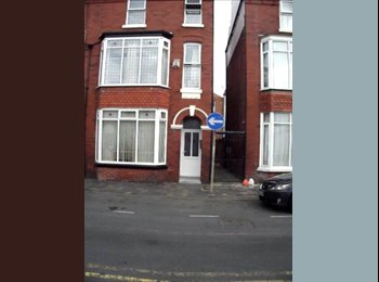EasyRoommate UK - Beautifully presented room off Lord Street - Southport, Southport - £310